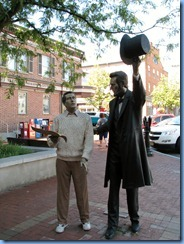 2394 Pennsylvania - Gettysburg, PA - Lincoln Highway (US 30)(York St.) - roundabout - Lincoln statue Wills House