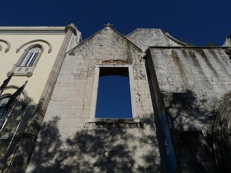 Obiective turistice Lisabon: Manastirea Carmo.