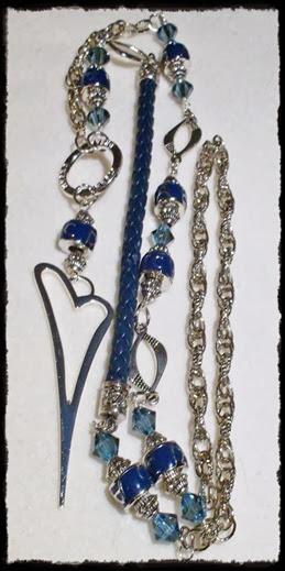 langt blått smykke1
