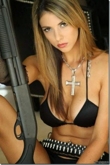 girls-guns-good-038