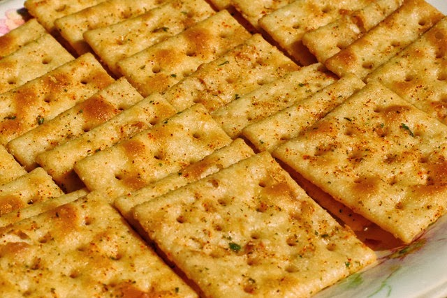 spicy crackers2