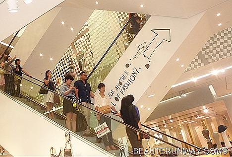 H&M Singapore Store interior