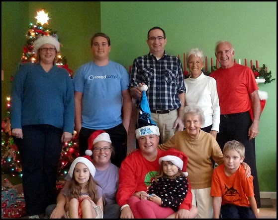 1kb - Family Christmas Photos
