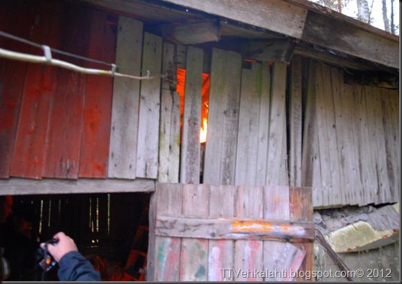 24H palomiehenä ulkorakennuksen polttaminen 012