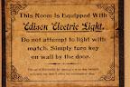 Les chambres sont équipées de tout le confort moderne. Sans ce panneau j'aurais probablement mis le feu aux lampes.