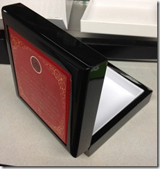 caja hilo rojo 2