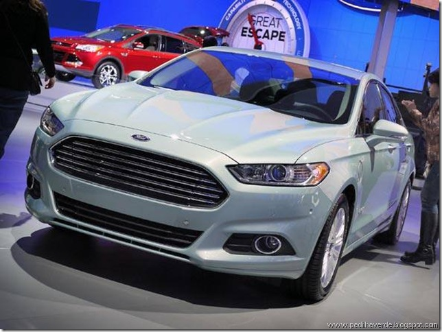 4size_590_Ford-Fusion-Energy