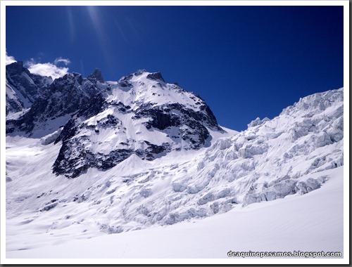 Descenso del Valle Blanco esquiando (Chamonix, Alpes) 5383
