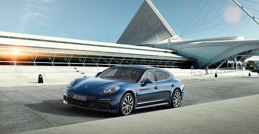 2014-Porsche-Panamera-13.jpg