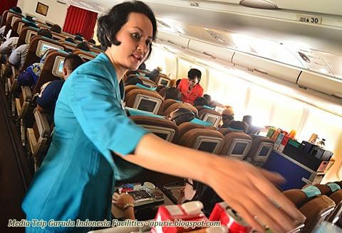 In-flight meal serving
