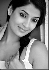akanksha_naresh_photo_in_black and white