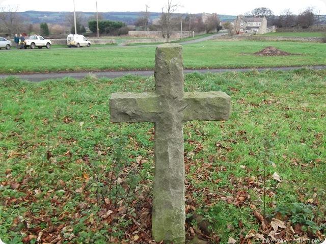 cross on cleatlam village green