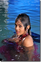 karthika_bathing_photo