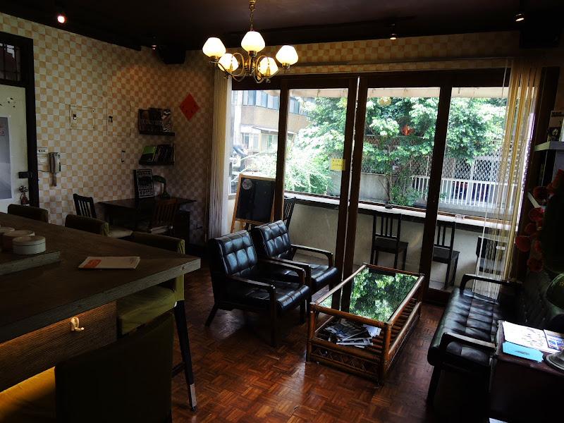 homey's Café 入口主要座位區.jpg