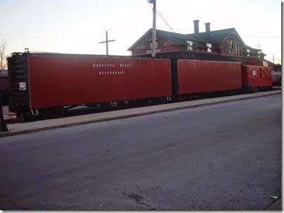 098 Waukesha - Restaurant Freight Cars
