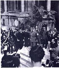 arrivée du général de Gaulle à la mairie de Paris