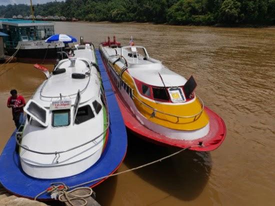 Bullet boats at Kapit