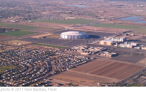 'University of Phoenix stadium' photo (c) 2011, Nick Bastian - license: http://creativecommons.org/licenses/by-nd/2.0/