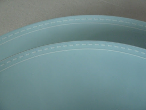 This stitched detail on the rim of the Donna Hay for Royal Doulton plates caught my eye.