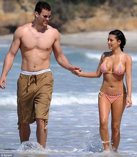 kris humphries honeymoon photos 4.jpg