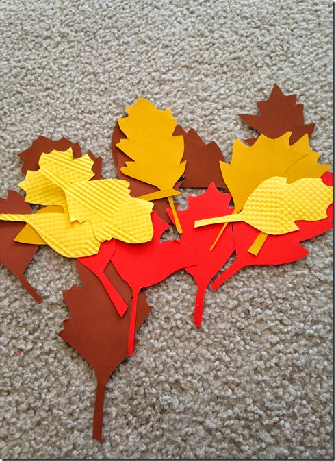 This easy garland requires only paper, twine and hot glue! Make fun Fall decor in one afternoon!