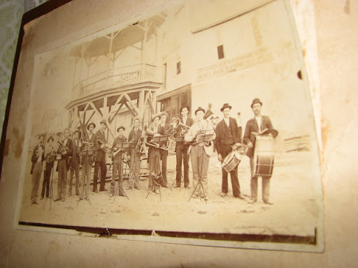 One photo in the Boch House Museum shows a large band in early Cabool.