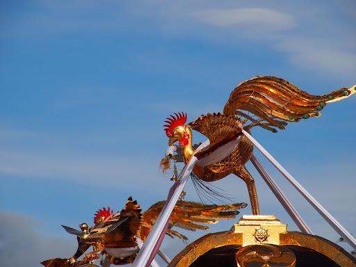 [写真]神輿の上の鳳凰