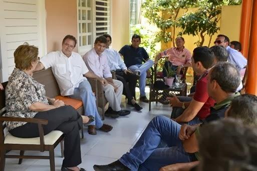 Governadora reune-se com lideranças políticas de Angicos - Elisa Elsie