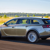 Yeni-Opel-Insignia-Country-Tourer-2014-2.jpg