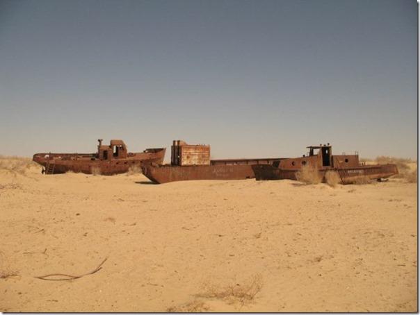 Navios abandonados de Mar de Aral (3)