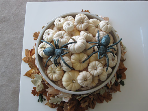 I love the white pumpkins!