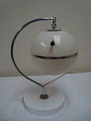 Plastic mid-century globe table lamp