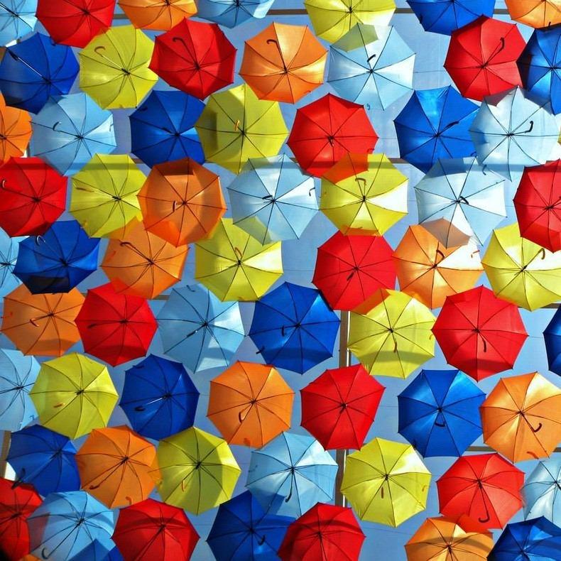 floating-umbrellas-4
