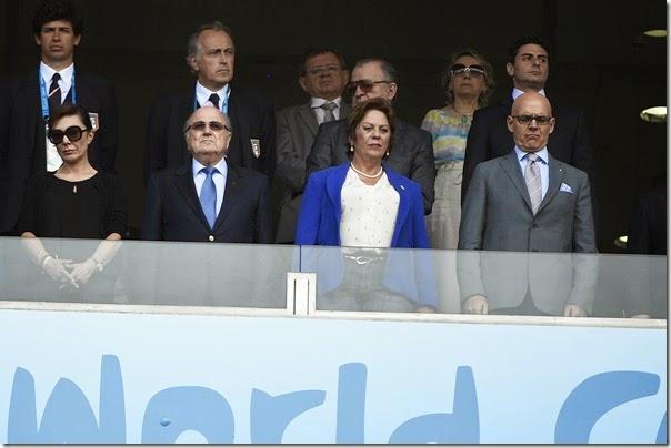 Governadora assiste ao jogo de Itália e Uruguai acompanhada de Joseph Blatter - Elisa Elsie (2)