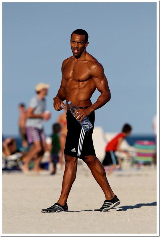 Craig David a Miami - 2012 i migliori propositi Sexy bikini e relax - feste da vip in spiaggia
