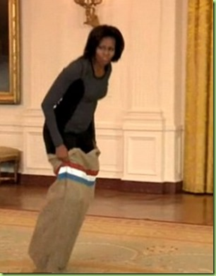 michelle-obama-invites-tv-host-jimmy-fallon-in-for-a-white-house-gym-session_ohase_8