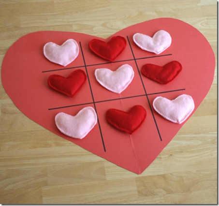 Tres en raya una manualidades San Valentín | 14 de febrero