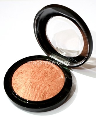 c_CheekyBronzeMineralizeSkinfinishMAC8