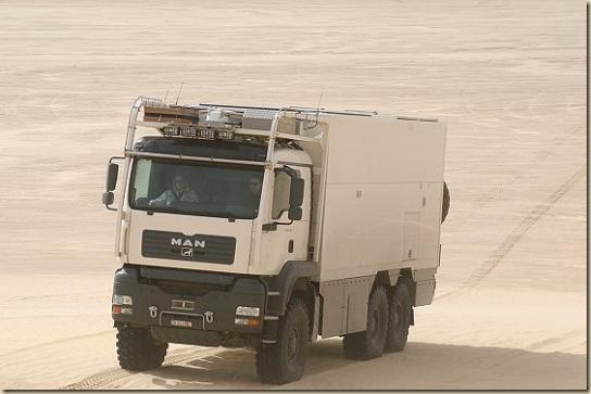 Traverser le désert en camion UNICAT TGA 6 × 6 (28)