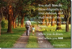 Deur father-and-child-walking-deuteronomy-6-7