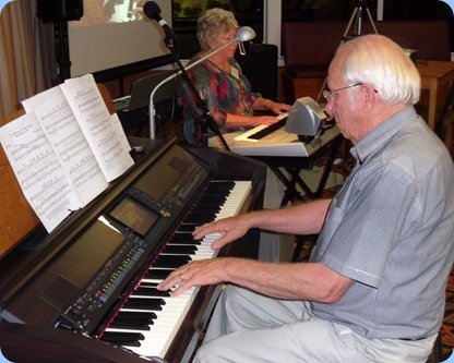 Barbara and Rob Powell entertained us with some solos and duets on Clavinova and Tyros 3