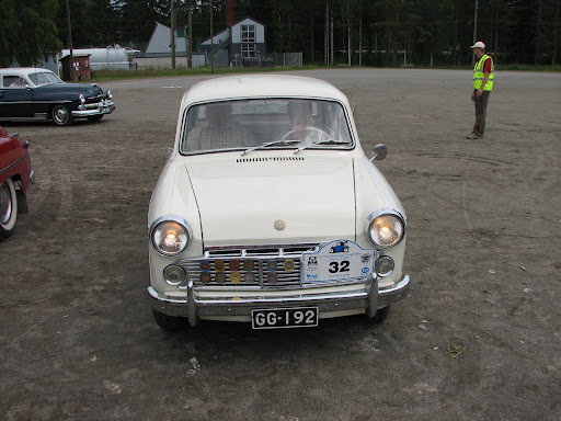 Datsun Bluebird 1200 -63