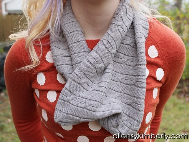 Cowl Scarf from an Old Sweater | allonsykimberly.com