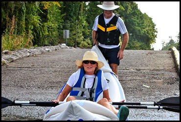 02 - Ron and Karen launching the Kayak