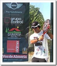 Dante Luchetti y el Club La Voz de Almería te enseñan a jugar al pádel a través de sus videos.