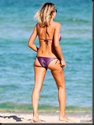 rita-rusic-purple-bikini-miami-01-675x900