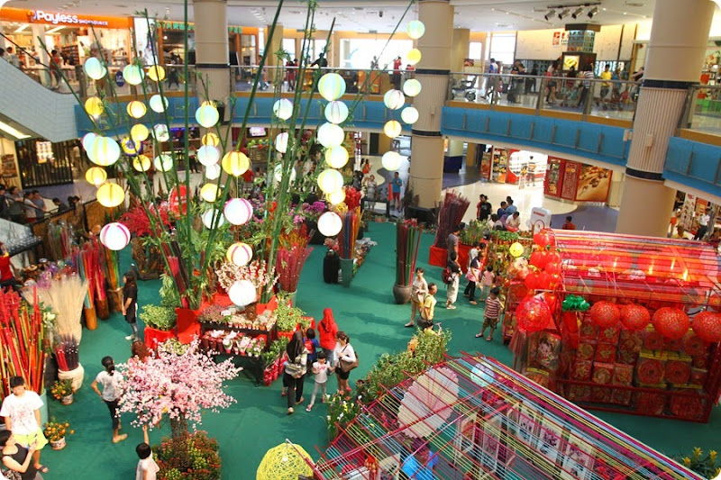 Breathe in the joy of spring amidst the beautiful flower blossoms for a flourishing new year at the Spring Flower Market in Sunway Pyramid.