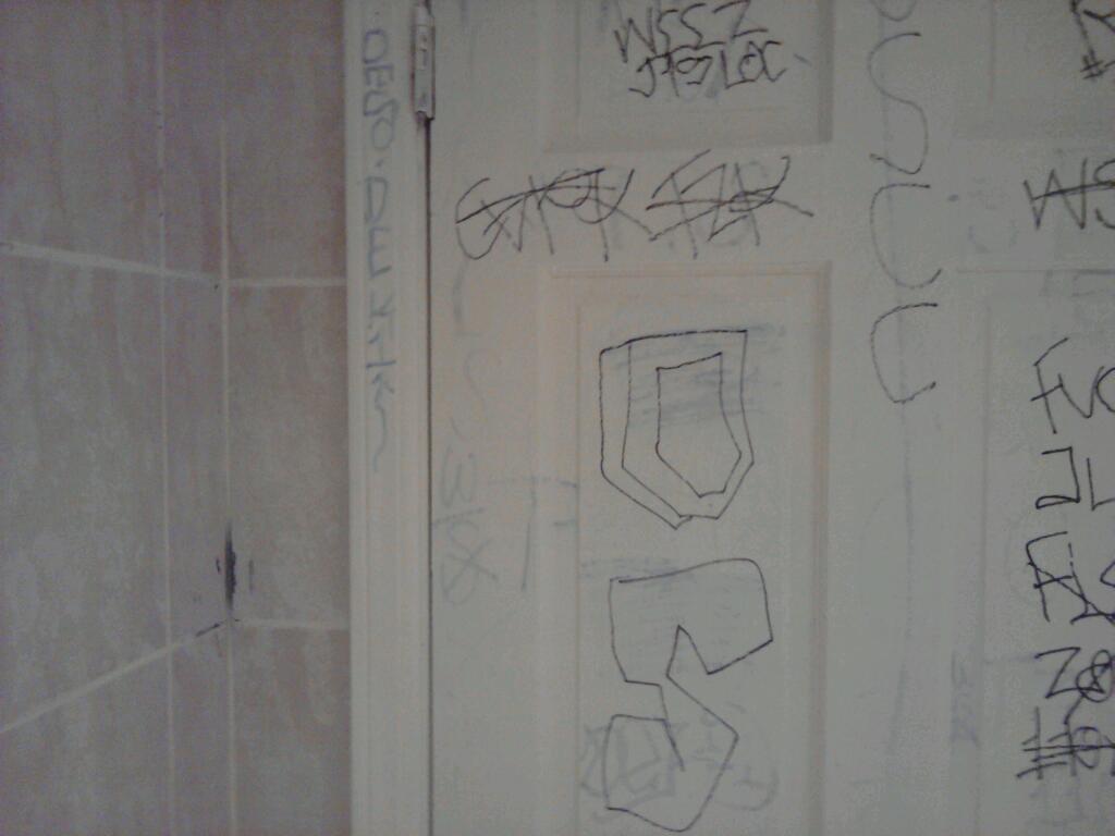 Compton Crip Graffiti Original Swamps Compton Crip