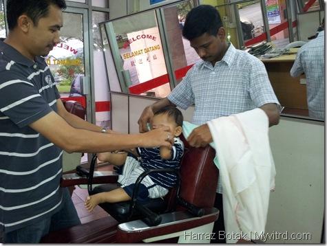 Aksi Harraz Gunting Rambut 2