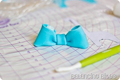 How to make a fondant or gum paste bow by Balancing Bites (15 of 23)